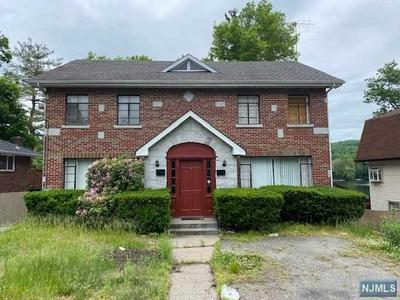37 LAKESHORE DR, OAKLAND, NJ 07436 - Photo 1