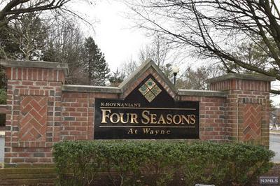213 FOUR SEASONS DR, WAYNE, NJ 07470 - Photo 1