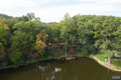 730 COLONIAL RD, Franklin Lakes, NJ 07417 - Photo 2