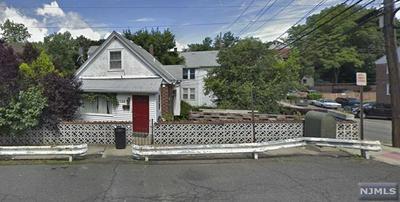 2389 3RD ST, FORT LEE, NJ 07024 - Photo 1