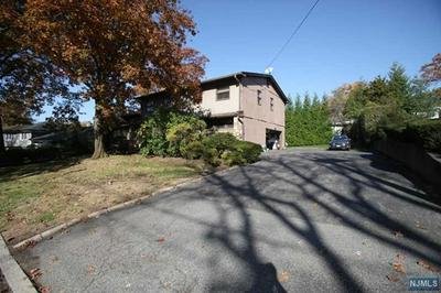 27 ALLISON DR, Englewood Cliffs, NJ 07632 - Photo 2