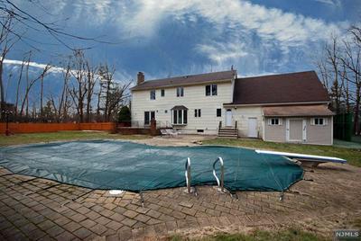 16 BATTLE RIDGE TRL, Totowa, NJ 07512 - Photo 2