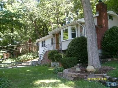 17 RAMAPO HILLS BLVD, Oakland, NJ 07436 - Photo 1