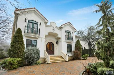 1068 DEARBORN RD, FORT LEE, NJ 07024 - Photo 1