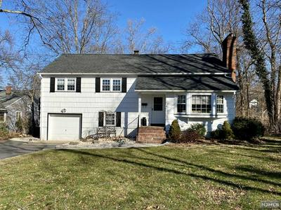 11 HOLIDAY DR, WEST CALDWELL, NJ 07006 - Photo 1
