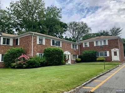 180 LITTLETON RD APT 104, Par-troy Hills Twp., NJ 07054 - Photo 1
