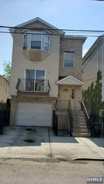 924 BERGEN ST, Newark, NJ 07112 - Photo 1