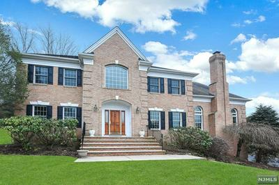 2 KINGSBURY CT, Upper Saddle River, NJ 07458 - Photo 1