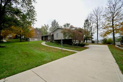 71 SUNNYMEDE DR, Fort Mitchell, KY 41017 - Photo 2