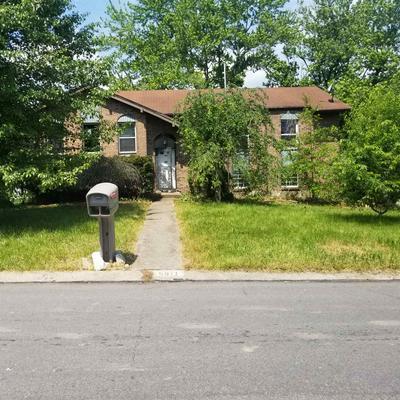 5911 CARLTON DR, Burlington, KY 41005 - Photo 1