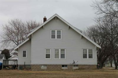105 E LOCUST AVE, Plainview, NE 68769 - Photo 2