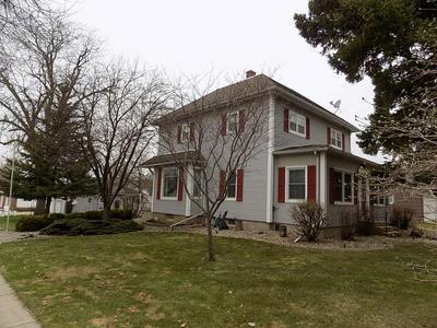 803 DOUGLAS ST, Lakefield, MN 56150 - Photo 1