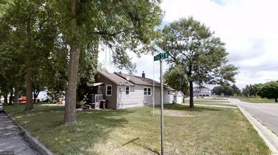 802 N 7TH ST, Montevideo, MN 56265 - Photo 2