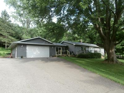 443 VALLEYVIEW RD, Kinnickinnic Township, WI 54023 - Photo 2