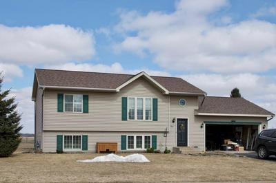 811 EULAINE CIR, HAMMOND, WI 54015 - Photo 1