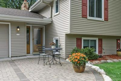 3018 INDEPENDENCE CIR N, New Hope, MN 55427 - Photo 2
