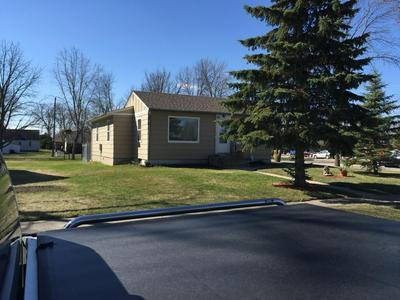 511 W 11TH ST, Morris, MN 56267 - Photo 2