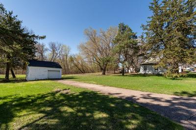 634 E 6TH ST, Chaska, MN 55318 - Photo 2