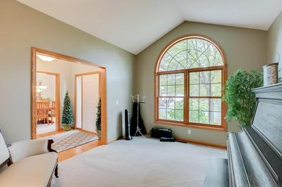 1311 EAGLE BLUFF CT, Hastings, MN 55033 - Photo 2
