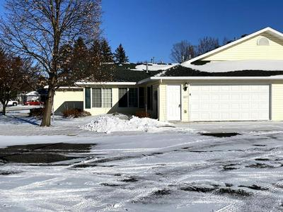 607 HUDSON DR, Paynesville, MN 56362 - Photo 2