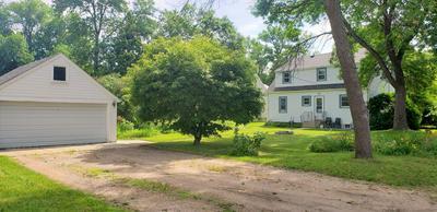 401 E 9TH ST, Morris, MN 56267 - Photo 2