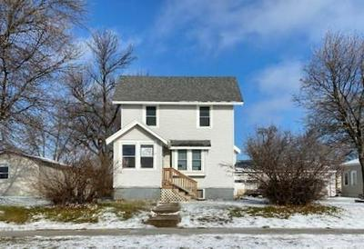 712 ELM AVE W, Waseca, MN 56093 - Photo 1