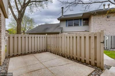18727 CLEAR VIEW TER, Minnetonka, MN 55345 - Photo 2