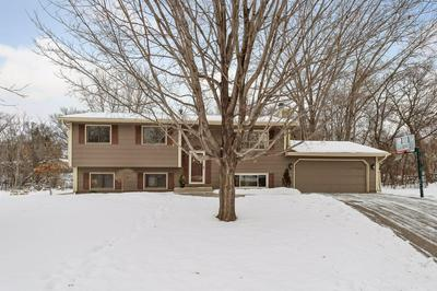 13530 KNOLLWAY DR N, Minnetonka, MN 55305 - Photo 1