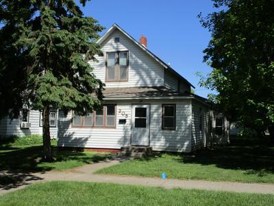 205 E 4TH ST, Morris, MN 56267 - Photo 2