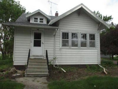 113 N 1ST AVE E, Truman, MN 56088 - Photo 1