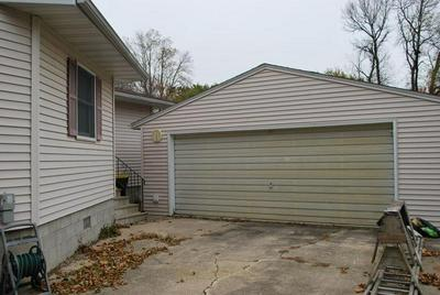 206 N CENTRAL AVE, Truman, MN 56088 - Photo 2