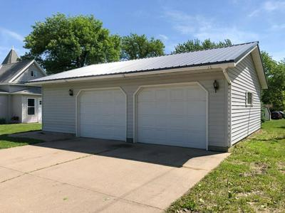 325 W LINCOLN ST, Springfield, MN 56087 - Photo 2