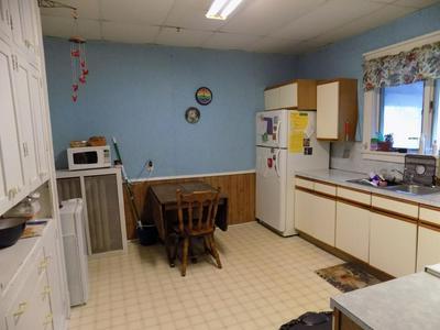 114 E 8TH ST, Fairmont, MN 56031 - Photo 2