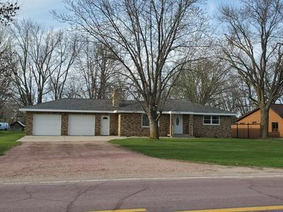 2880 COUNTRY CLUB DR, Windom, MN 56101 - Photo 2