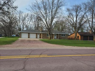 2880 COUNTRY CLUB DR, Windom, MN 56101 - Photo 1