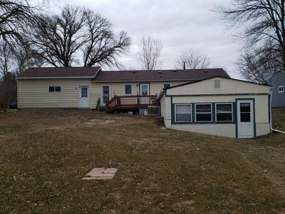 901 W 4TH ST, MORRIS, MN 56267 - Photo 2