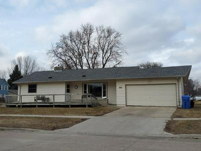 611 4TH ST SW, Pipestone, MN 56164 - Photo 1