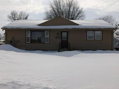 1624 E OAKLAND AVE, AUSTIN, MN 55912 - Photo 1