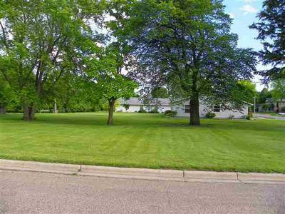 401 S LAKE ST, SHERBURN, MN 56171 - Photo 1