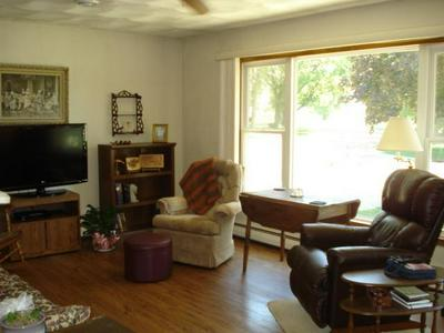 7 CIRCLE DR W, Welcome, MN 56181 - Photo 2