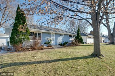 8215 OAKLAND AVE S, Bloomington, MN 55420 - Photo 2