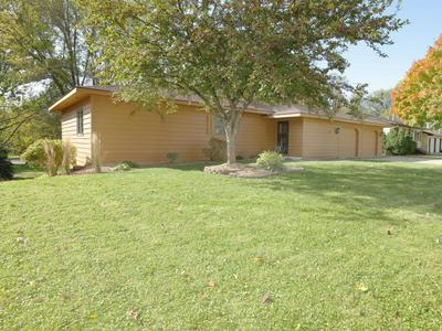 135 LINDEN AVE E, WINSTED, MN 55395 - Photo 2