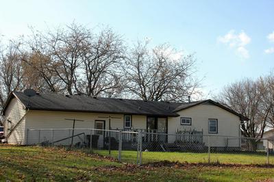 401 19TH AVE NE, Waseca, MN 56093 - Photo 2