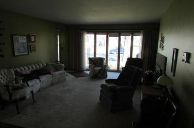 611 LOGAN AVE, Jackson, MN 56143 - Photo 2