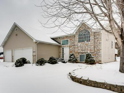 2440 VALLEY VIEW RD, SHAKOPEE, MN 55379 - Photo 2