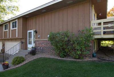 10507 DECATUR CIR, Bloomington, MN 55438 - Photo 2