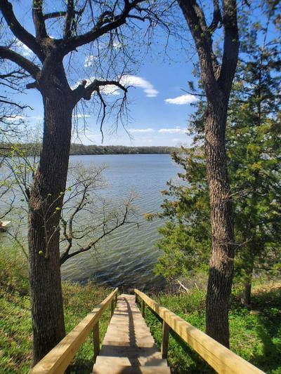 414 E AMBER LAKE DR, Fairmont, MN 56031 - Photo 2