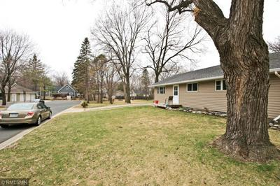 685 3RD AVE SW, HUTCHINSON, MN 55350 - Photo 2