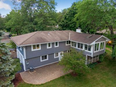 18100 HIGHLAND AVE, Deephaven, MN 55391 - Photo 2