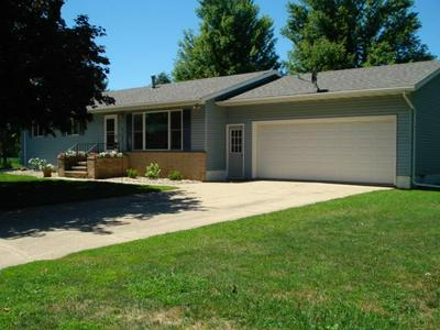 7 CIRCLE DR W, Welcome, MN 56181 - Photo 1